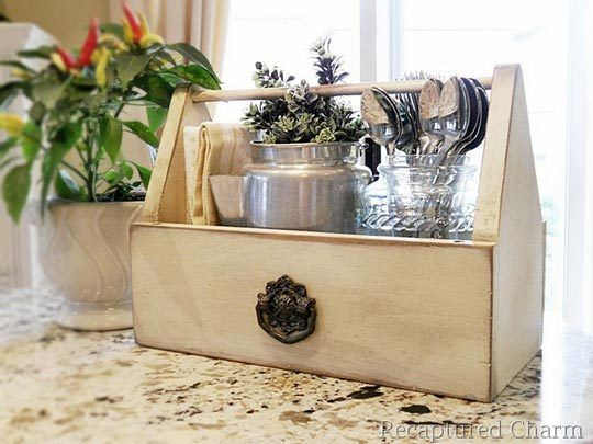 Painted tool caddy for kitchen storage.  So pretty.