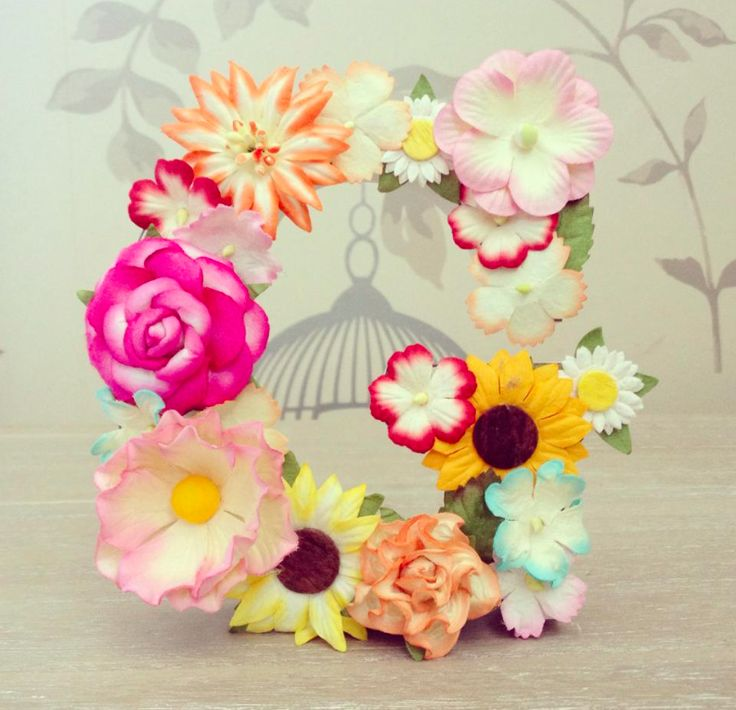 floral free standing letter G