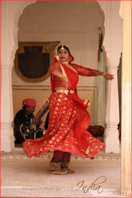 Tyras Trädgård / Tyras Garden: Travel Indian Dancer. Traditional music and dance performance in The Amber Palace in Jaipur