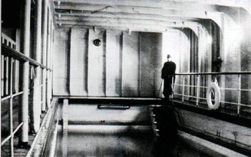 Take a tour inside the real titanic 25 photos the o - Did the titanic have swimming pools ...