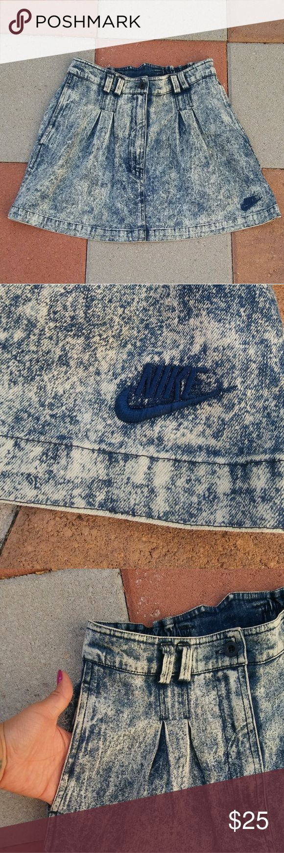 "Nike Skirt Acid wash vintage skirt, buttons and zips from the front. Two deep front pockets, one pocket in the back. Pre-love, small stain on the back hard to see (look at the last picture) Slightly strechy Size : S (28"")  Length:14"" Nike Skirts Mini"