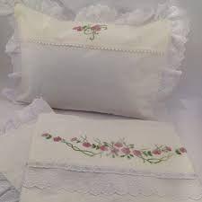 Resultado de imagem para lençois de bebe bordados a mão