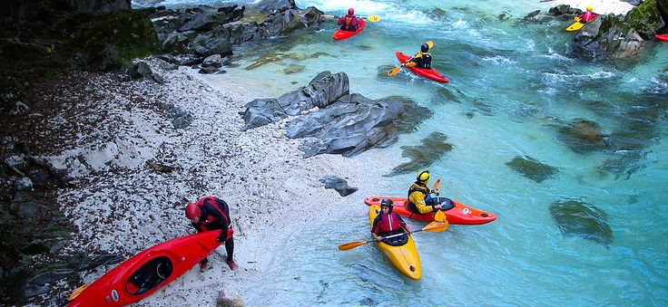 StGIS students enjoy kayaking. #boardingschool #austria #internationalschools