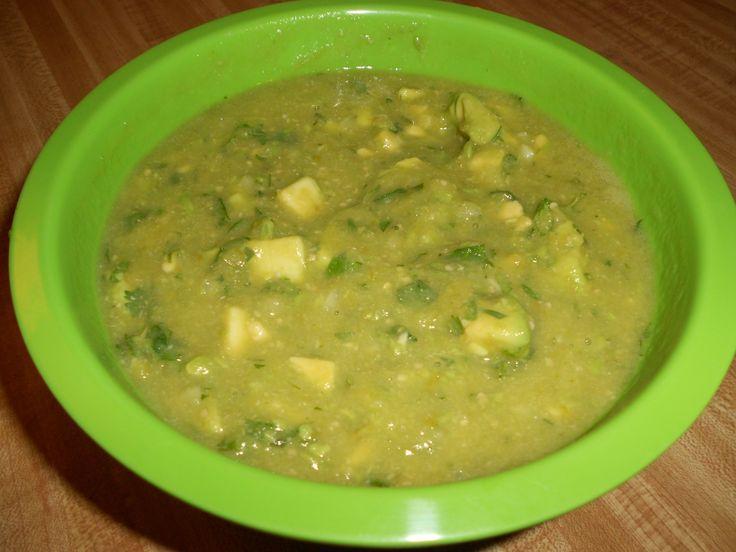 Salsa Verde Con Aguacate y Tomatillos Verdes