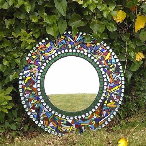 Garden mosaic mirror folksy craft ideas pinterest for Garden mosaic designs