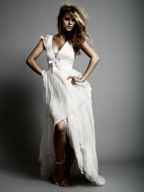 Robe de mariee bohème. Découvrez notre gamme de tissus en lin spécial cérémonies sur http://www.couturelin.com/utilisation-tissus-lin/tissus-lin-habillement/ceremonie.html