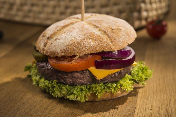 IOO% Black Angus Premium Beef Burger