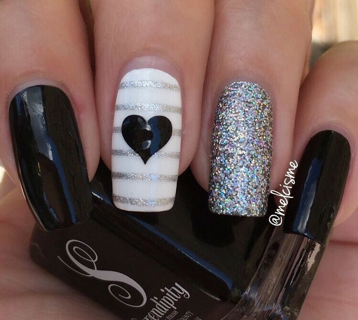 Evening ready manicure by the fabulous @melcisme using our Large Heart Nail Decals & Straight Nail Vinyls. Find the at snailvinyls.com