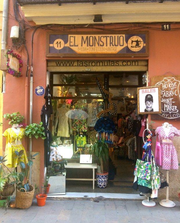 Vintage Shops Valencia Beautiful Shop Fronts In 2020 Vintage Shops Valencia Vintage Thrift Stores