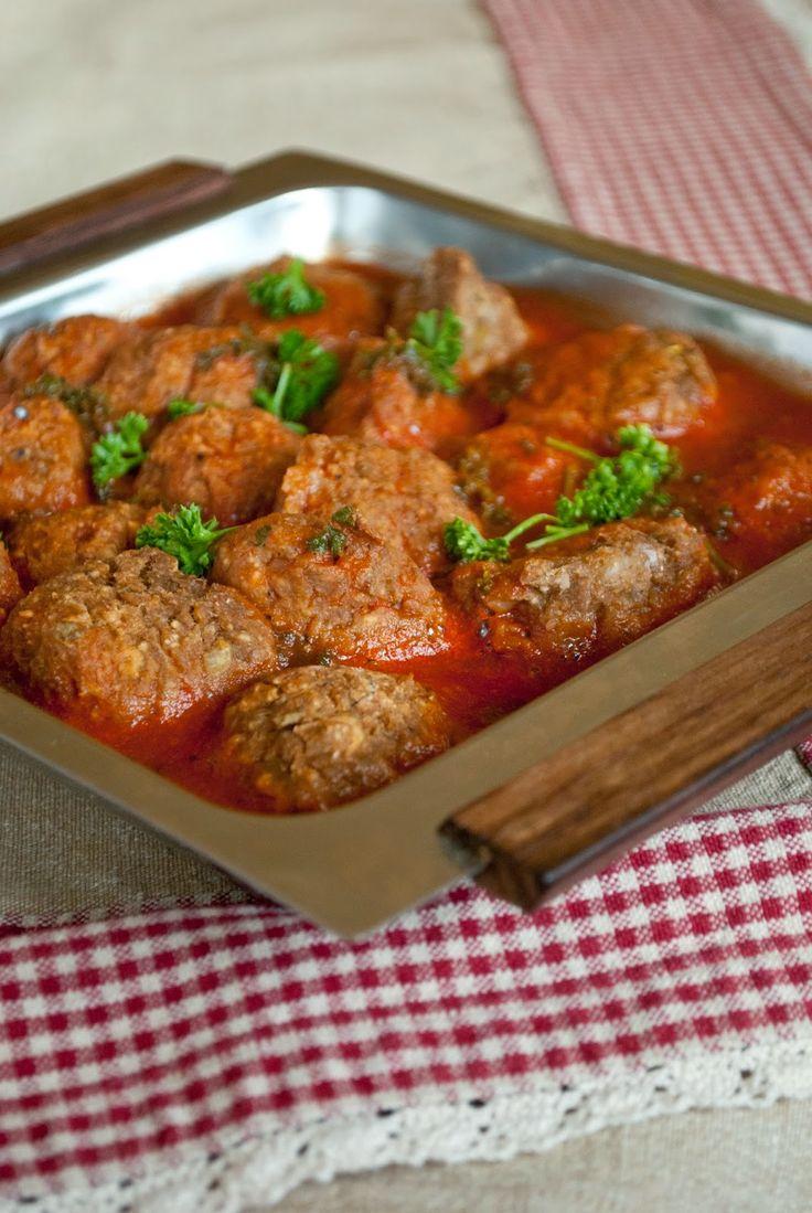 Lentil balls with tomato sauce |VeganSandra - tasty, cheap and easy vegan recipes by Sandra Vungi