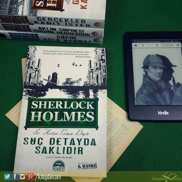 Dünyaca ünlü dedektif Sherlock Holmes, kendine özgü karakteri ve yaşadığı birbirinden farklı maceralarıyla yıllardır okurları etkisi altında tutmaya devam ediyor. Toplam 56 çarpıcı hikayeden oluşan serinin ilgiyle karşılanan ilk kitabı Akıl Oyunlarının Gölgesi'nden sonra, serinin ikinci kitabı Suç Detayda Saklıdır'ın bitmesini istemeyeceksiniz.  #kitap #kitaplik #kutuphane #kitaplarim #kitapokur #edebiyat #roman #polisiye #sherlockholmes #kultur #kitapbir #herkesicinbirkitap #okumahalleri