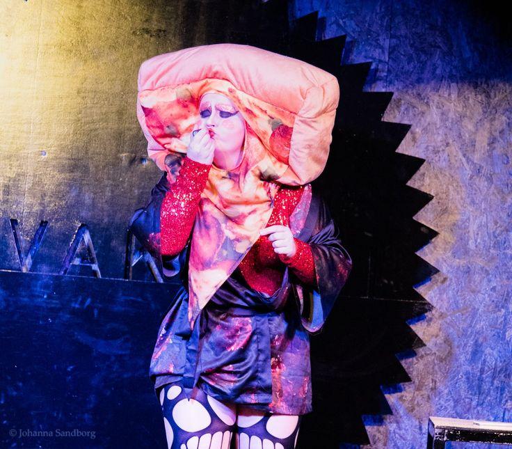 Twitter: Burlesque 1/2017 Fanny af Ticklehorn