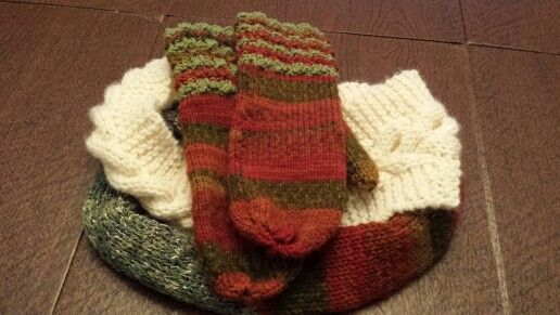 Knitted mittens and infinity scarf
