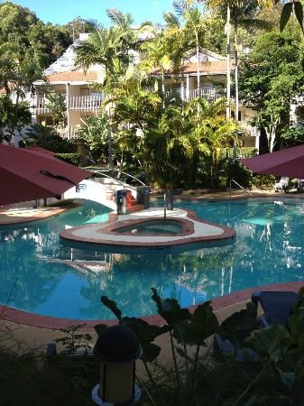 Mantra French Quarter Resort, Noosa Heads #Australia  book Noosa VIP Limousines for your airport transfer
