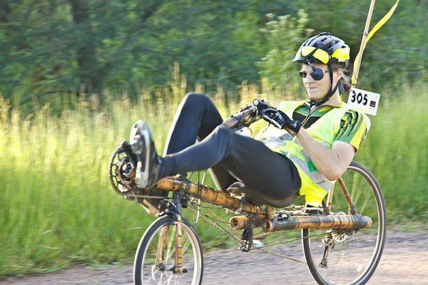 Audax 2009 -300km Porto Alegre com a provavelmente primeira bicicleta reclinada de Bamboo do mundo feita e pilotada por Klaus Volkmann fez em 10h