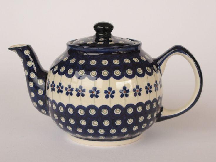 6 cup capacity teapot from the Daisy Range of Polish Pottery