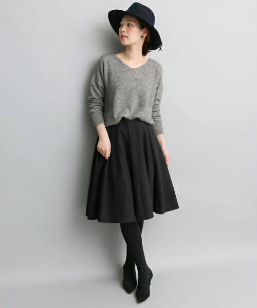 2015年秋冬♡イマっぽい黒ミモレ丈スカートの着こなしコーデの19枚目の写真
