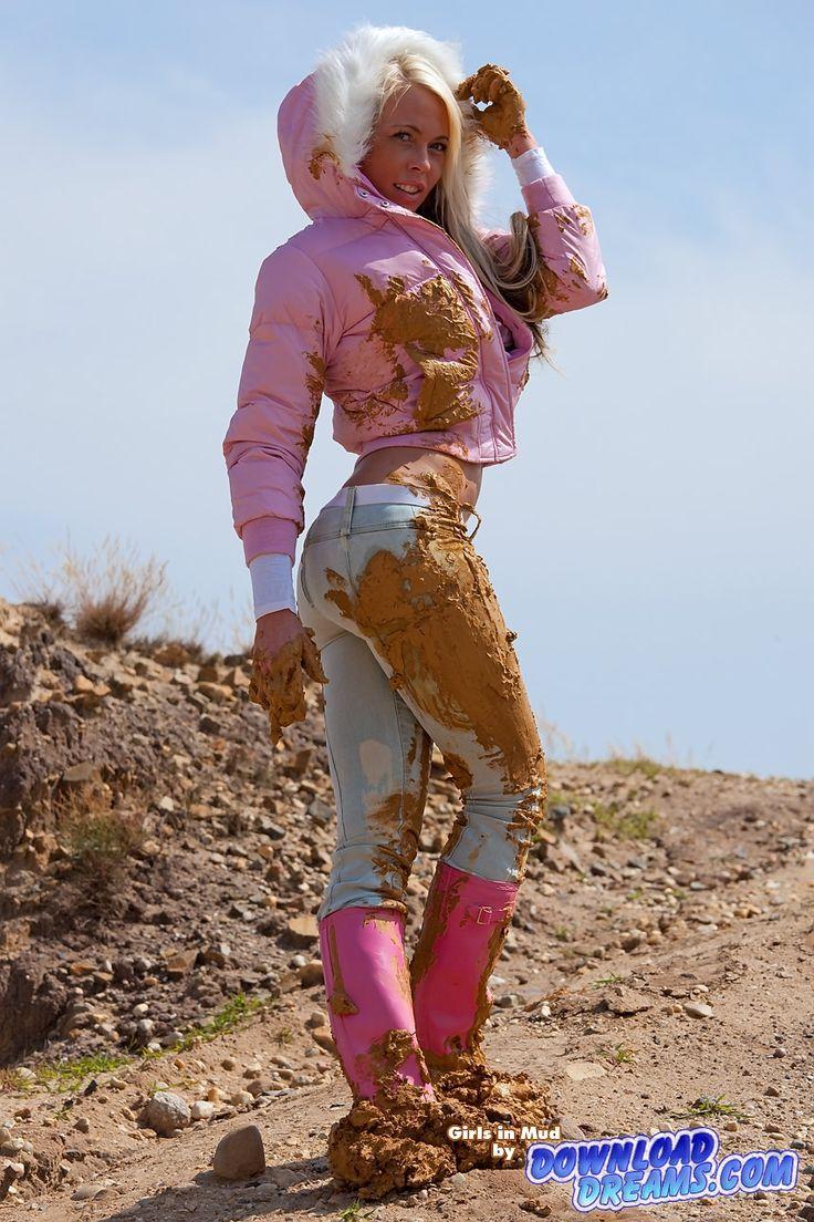 girl_fully_covered_in_mud_002.jpg (853×1280)