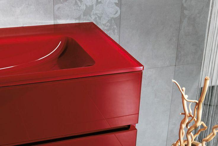 #Isabagno linea #soho in #vetro L'eleganza del vetro e la magia del #colore.  #rosso #red #bagno #bathroom #mobilibagno #arredobagno #arredo #design #architettura #style #qualità