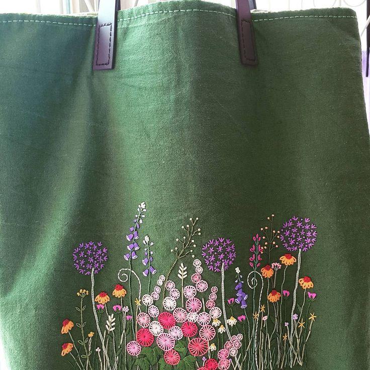 자수 가방~ 오늘 이쁜분께로 슝~~~ #프랑스자수 #자수가방 #embroidery