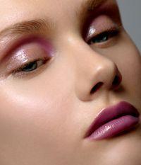 Glossy pink eyes