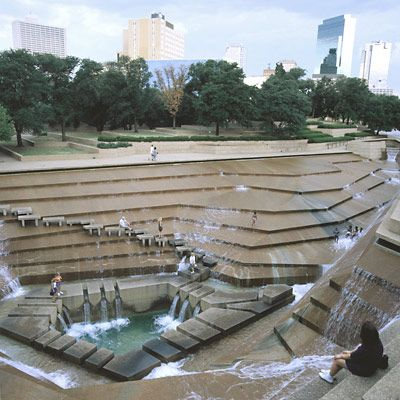 Find a cooling oasis at the Forth Worth Water Gardens, adjacent to the Fort Worth Convention Center in Texas. The centerpiece of this 4.3-acre garden is a dramatic terraced fountain designed by architects Philip Johnson and John Burgee. You can walk down 38 feet of steps with a symphony of water cascading down around you to gaze into a small meditation pool. Then discover the more than 500 species of plants and trees displayed in the surrounding scenic park .