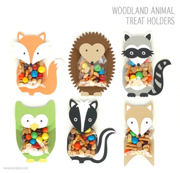 Woodland animal treat bag holders. I love this theme.
