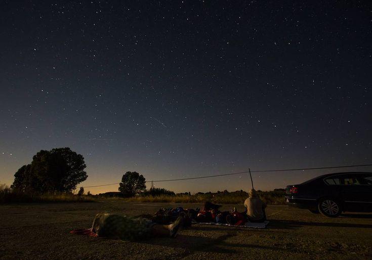 Looking Perseids in the sky. // Buscando Perseidas en el cielo  #sky #skyporn #star #stars #night #perseids #estrellas #cielo #noche #summer #verano #villamoronta #instagram #instagood #instapic #instamood #instalike #instafollow #moonlight #pueblo #photography #fotografía #photographer #conmicanon #viajacontucanon #instagram #smile