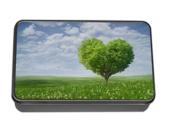 http://www.goonart.it/scatola-di-latta-personalizzata.aspx  Scatola di metallo Personalizzata. Noi la immaginiamo come un contenitore di ricordi. Tu?