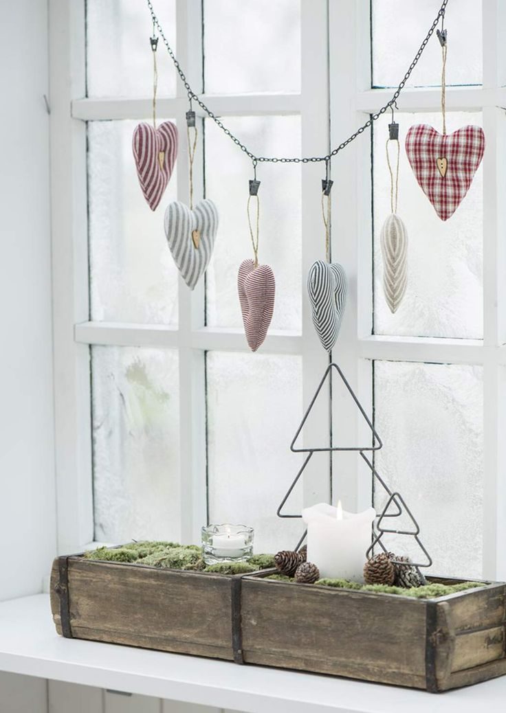 Deko-Herz mit Holzknopf Streifen quer rot