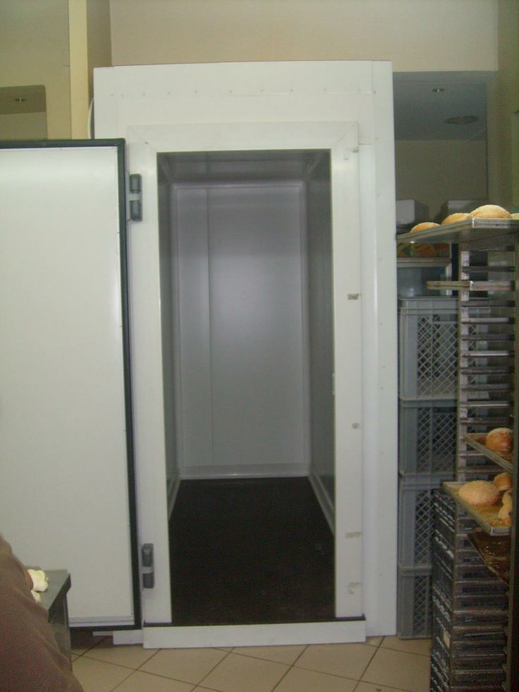 Small refrigerator door with 80mm thickness for positive temperatures inner side.