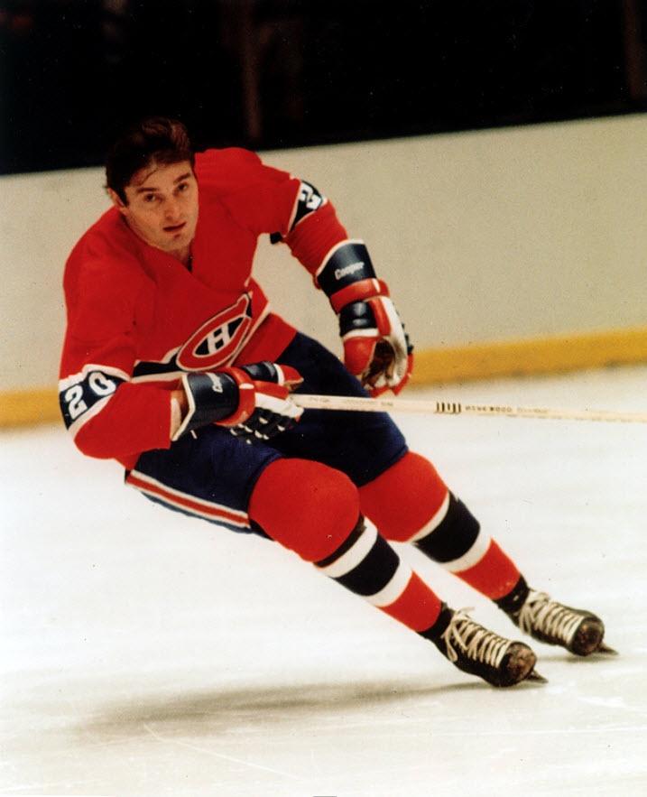 Pete Mahovlich a amassé 105 points en 1975-1976 et a décroché une troisième coupe Stanley, suivie d'une quatrième l'année suivante. Échangé à Pittsburgh en 1977-1978, Mahovlich a terminé sa carrière avec Détroit en 1980-1981. Toujours le sourire aux lèvres, Pete Mahovlich a accroché ses patins, mais est depuis demeuré associé au monde du hockey à titre d'entraîneur, d'analyste et de dépisteur.