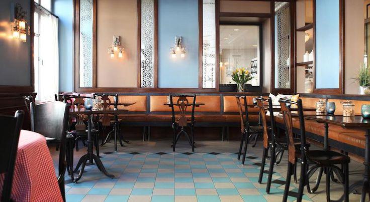€124 O Hotel Montana Zürich está localizado numa rua lateral tranquila perto do Rio Sihl, a 300 metros da Estação Principal de Zurique.