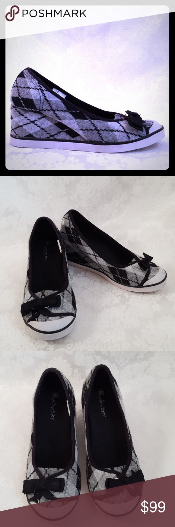 """UnionBay Black & Gray Argyle Wedge Sneaker UnionBay black, gray and white argyle wedge sneaker style loafers with 2 3/4"""" wedge heel.  Style is """"CROSSWAY"""". Decorative black bow.  Very good used condition. Small scuff on toe. Smoke free and pet free home.   Check out my other listings - 100's of 👠shoes👠, 👢boots👢 and 👜bags👜. Bundle 2 or more and save money!💲💵💲 UNIONBAY Shoes Sneakers"""