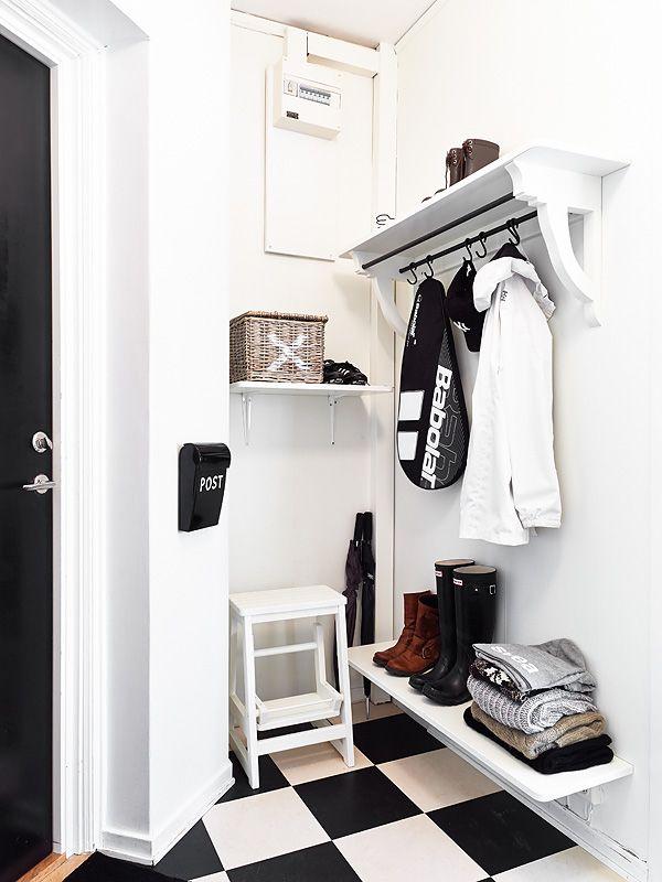 Sea of Girasoles: Interior: black, white, grey hallway