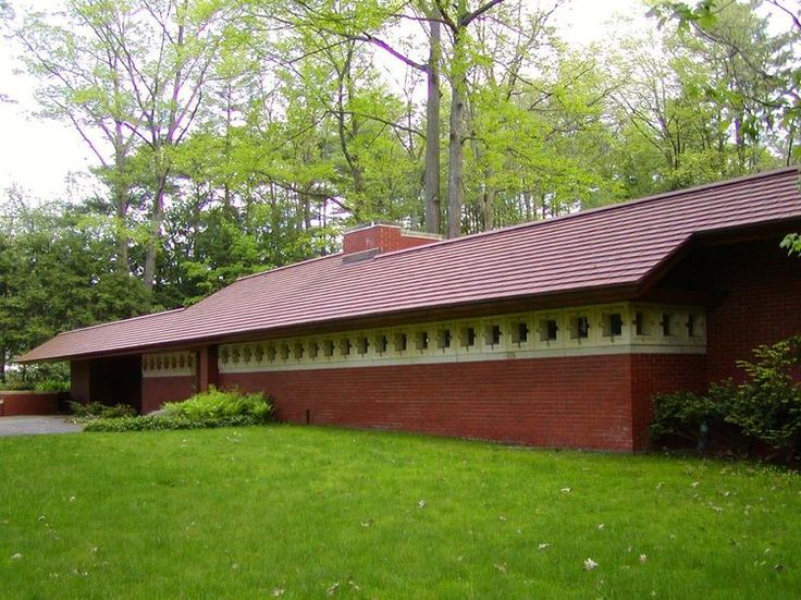 Tripping in New Hampshire with Frank Lloyd Wright