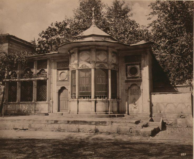 Mehmet Emin Ağa Sebili, Dolmabahçe Abdullah Fréres fotoğrafı 1880-1893 LOC Arşivi