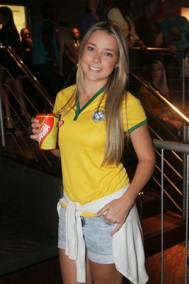 RetaFinal.blogspost.com: EGO - Carol Dantas, mãe do filho de Neymar, comemo...