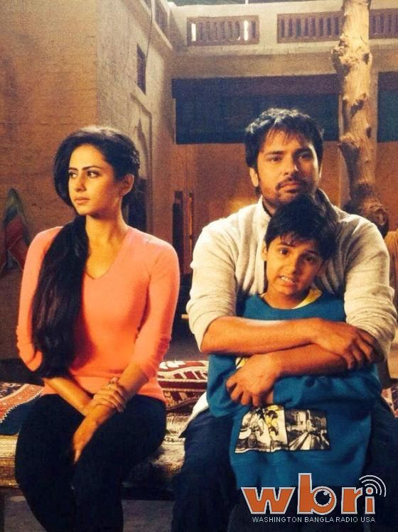 'Love Punjab' new Punjabi film stars super-hit duo ANGREJ duo Amrinder Gill and Sargun Mehta; read about the movie and watch the trailer at http://www.washingtonbanglaradio.com/content/love-punjab-two-kids-manvir-johal-and-sargun-mehta-sets-amrinder-gill  #lovepunjab #amrindergill #SargunMehta