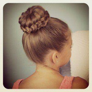 Excellent 1000 Ideas About Donut Bun Hairstyles On Pinterest Donut Bun Short Hairstyles For Black Women Fulllsitofus