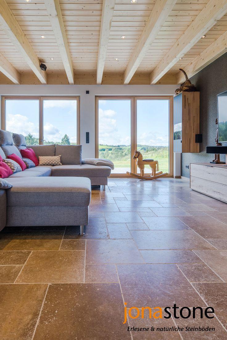 Natur Meets Zeitgemäßes Wohnen: Modernes Wohnzimmer Mit Einem Rustikalen  Travertinboden In Walnussbraun (Fliesen: