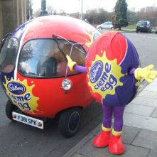 We'd love to be driving this to and from the Carhoots.com office this Easter!Cadbury Eggs, Wanna Dresses, Creme Eggs, Outspan Minis, Art Cars, Minis Cars, Wedding Cars, Eggs Cars, Cadbury Creme