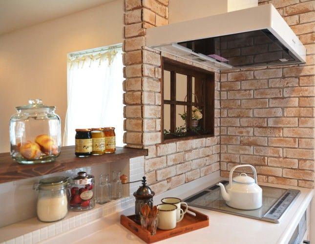 造作小窓の似合う家 - ナチュラルな家やシンプルな家を建てるならデザイン住宅にこだわった滋賀のグラッソへ glazzo