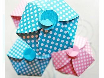 Cupcakes de lunares | Descargables Gratis para Imprimir: Paper toys, Origami, tarjetas de Cumpleaños, Maquetas, Manualidades, decoraciones fiestas, dibujos para colorear. Printable Freebies, paper and crafts