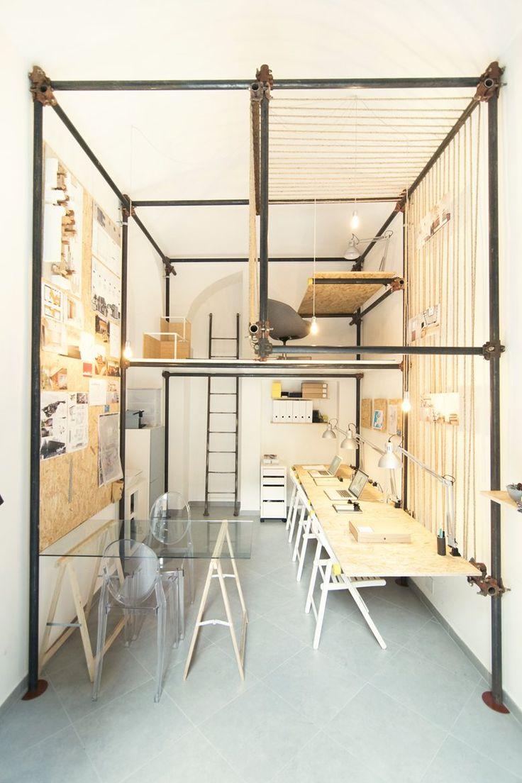 R3Architetti first caught our eye when they designed a long and narrow shop and turned it into a loft back in 2002. Now they impressed us once more with a