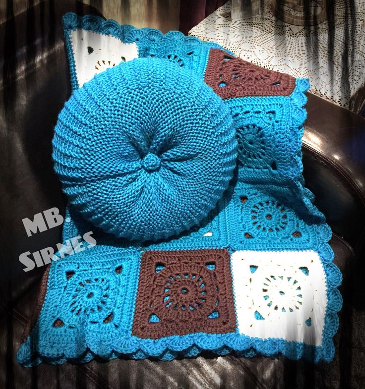 Crochet blanket and Knitted pillow