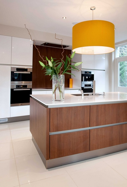 CLIENT: Mr & Mrs Longdon - Holme Firth, West Yorkshire.  SPEC: SieMatic SL101 & 404 Kitchen    PROJECT DETAILS:  Andrew designed the Longdens Kitchen using a modular design taking shape with simple lines needed to created a true modern handless German Ki Wow --