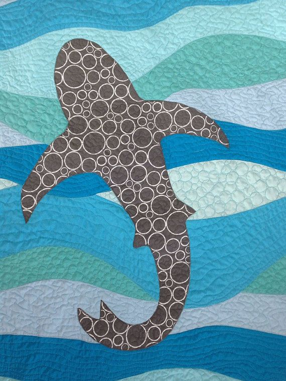 Best 25 ocean quilt ideas on pinterest landscape quilts for Fish pattern fabric