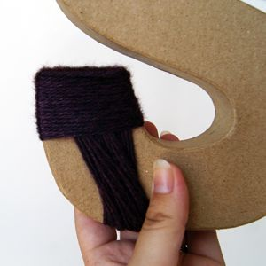 """How to DIY yarn-wrapped monogram letters...especially ones w/curves like a """"C"""""""