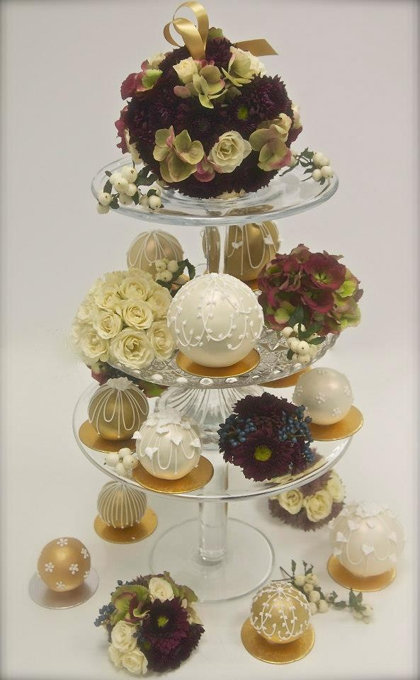 29 Best Bauble Cake Images On Pinterest